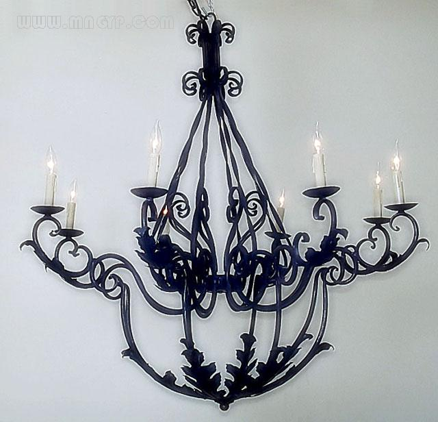 铁艺三头蜡烛台